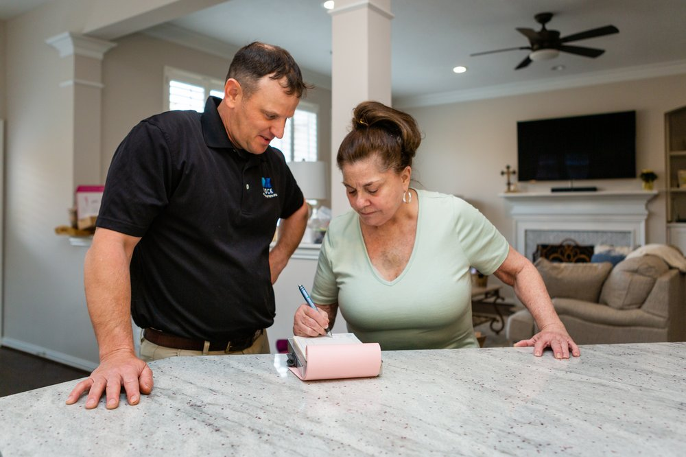 Sugar Land Plumber Mock Plumbing With a Happy Customer Review